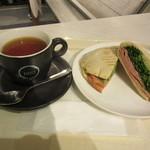 EATALY - 紅茶 & パニーノ 1081円