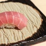 江戸深川 鮨 にしち - 青森大間マグロの中トロ