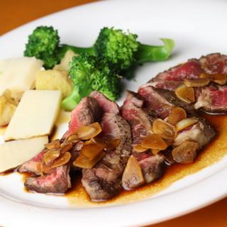 """【ガーリックステーキ】は、""""レア""""で食べるのがおすすめ"""