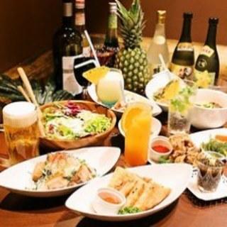 本場の沖縄料理を満喫できるコース