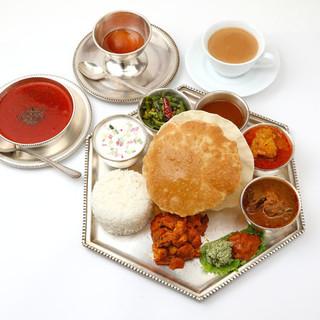 ダルマサーガラ - 料理写真:meals-aset-nonveg