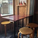 ひなた - テラス風のテーブル席