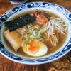 会津らーめん 磐梯山 - 料理写真:「キムチらーめん」(800円)。ちょっと贅沢な辛味。