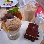 カンテグランデ - チャイとミニ・チャイパフェとケーキのセット