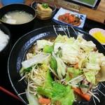 ばんちゃ屋 - 豚野菜定食