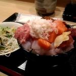 鮨 千花 - 相方の丼も盛りが良い!