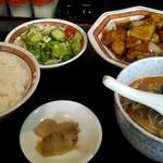 中華レストラン 大翔 - 料理写真:トリの甘酢定食740円。