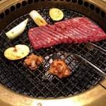 焼肉飯店 長春 - ダイヤモンドカットカルビ