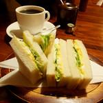 リスボン - タマゴ・レタスサンドウィッチ&ブレンド珈琲(大きく)