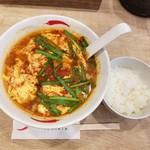 辛麺屋一輪 - 辛麺の辛さ3とライス小
