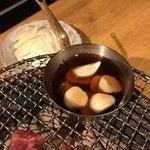 炭火焼肉 銘特屋 - ニンニク焼き