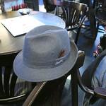 シンガポール シーフードリパブリック - ディナー終了お父様の帽子