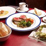 ふれんち食堂UMEYA - 前菜とメイン、デザートが選べるお得なプリフィックス。アミューズと魚料理も楽しめるフルコース¥3500