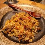 楽庵 - 近江牛と色々野菜のバジル焼き飯
