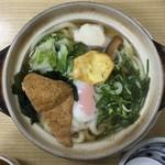 駅前うどん - 鍋焼きうどん700円