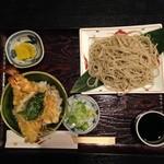 手打ちそば 菊園 - 天丼と蕎麦ハーフサイズ