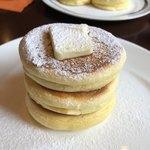 La Pullman Caffe' - スタンダードパンケーキ                             上からプルン・。♪*+o