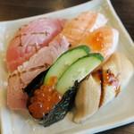 かごの屋 - ・「寿司各種」