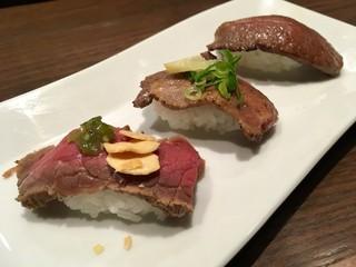 肉屋の肉バル TAJIMAYA Whityうめだ店 - 炙り寿司食べ比べ