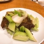 南粤美食 - 西芹炒臘肉。こういうのに店の実力が出る
