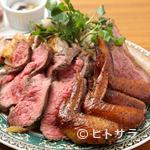 Bistro flatcafe - ビストロフラットカフェの名物メニュー!『男の肉盛り合わせ』1kg〜ワイン片手に豪快にどうぞ!