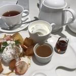 タカノフルーツパーラー - リンゴのフレンチトースト
