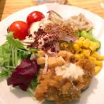 ミュゼウメキタ ワインバー&グリル - ビュッフェのサラダ