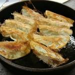 本店 鉄なべ - 鉄なべ焼き餃子