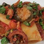 Vivo - 蛸と茄子のナポリターナ、パッケリ
