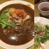 Ichigakushoumikansei - 料理写真:肉じゃがカレー、サラダセット