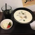 立ち飲みビストロ 神田マルニ - 白いハヤシライス ドリンク付きで900円