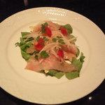 銀座 カローン - この日のカルパッチョは富山県産の【黒むつ】。プリプリの食感に上品な甘さ。