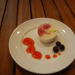 クロワッサンCafe クイニー - フロマージュムースケーキ