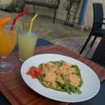 クロワッサンCafe クイニー - 海老のトマトクリーム ほうれん草のフェットチーネ