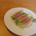 クロワッサンCafe クイニー - 水菜の生ハム巻き