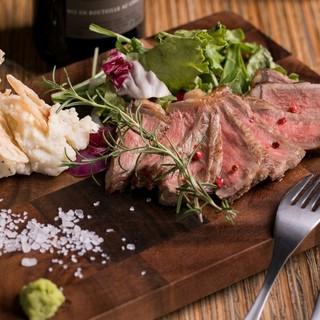 【厳選肉使用!!】肉バルならではの美味しすぎる肉料理