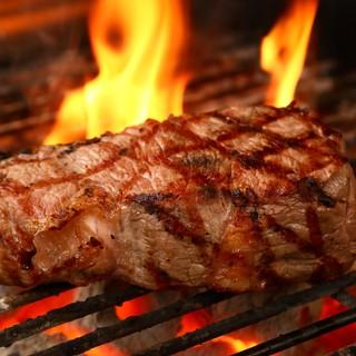 『炭火肉』の美味しさをご堪能ください!!