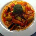 Cafe Domjan - 焼き野菜のトマトソーススパゲティ 1200円。