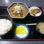 食事処 わらべ - 料理写真:牛スジ煮込み定食