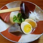 粗挽き蕎麦 トキ - シジミ出汁のおでん3種盛り