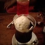 77284502 - 2017年8月:クリームソーダ(\580)とコーヒーフロート