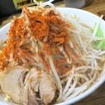 デカ盛り戦隊 豚レンジャー - ラーメン+野菜チョイマシニンニクマシマシチョイ辛