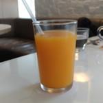 77290329 - フレッシュオレンジジュース