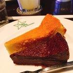 オオミヤコーヒーロースターズ - ベイクドチーズケーキ&ガトーショコラ(ハーフ&ハーフ)