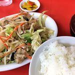 鶴廣 - 鶴廣(肉野菜イタメ700円+ライス200円)