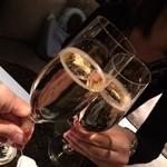 クラブラウンジ - シャンパンで乾杯♪