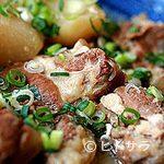 さえ丸おじさんの店 - 薩摩黒豚の軟骨をコトコトと煮込んで、肉、上質な脂、骨を味わう