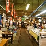 魚菜小売市場 - 市場の中