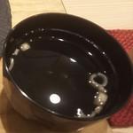 炙り創作鮨 すし蔵のはなれ - おまかせ8貫にはお吸い物が付きます(2017.11.30)