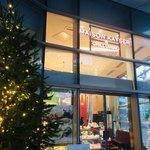 メゾン カイザー カフェ - お店の外観はこんな感じ。